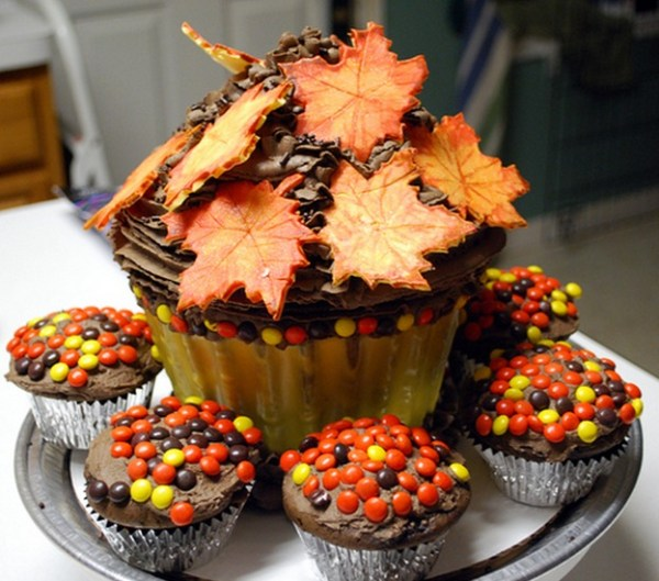 Thanksgiving Cake with chocolate buttercream icing