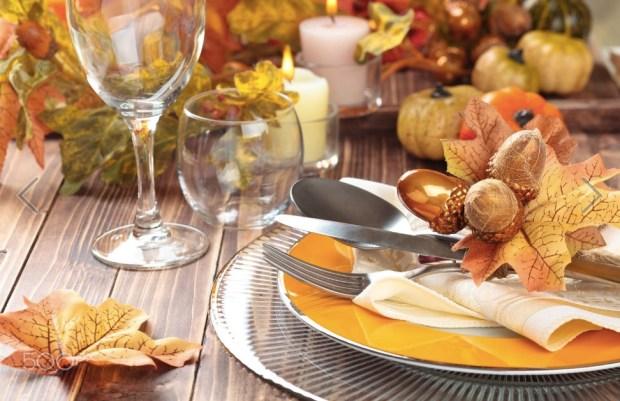 thanksgiving-dinner-decoration