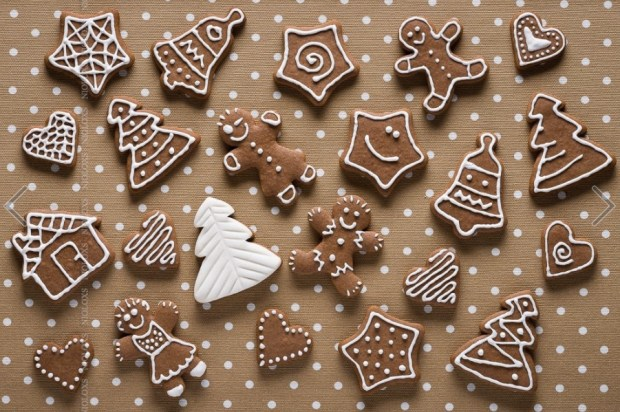 homemade-gingerbread-on-beige-dots-background-top-view