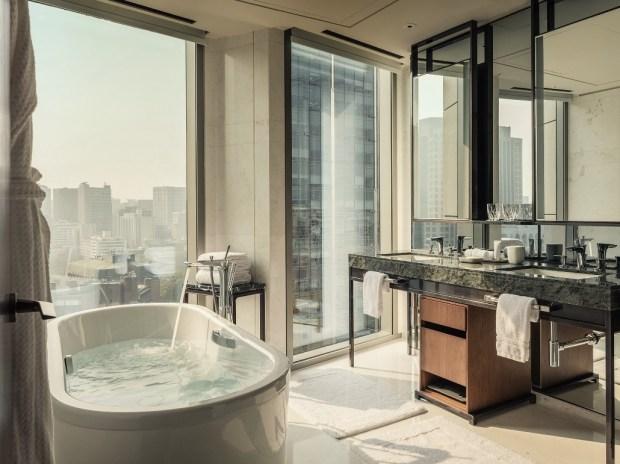 a-bathroom-in-the-four-seasons-hotel-in-seoul