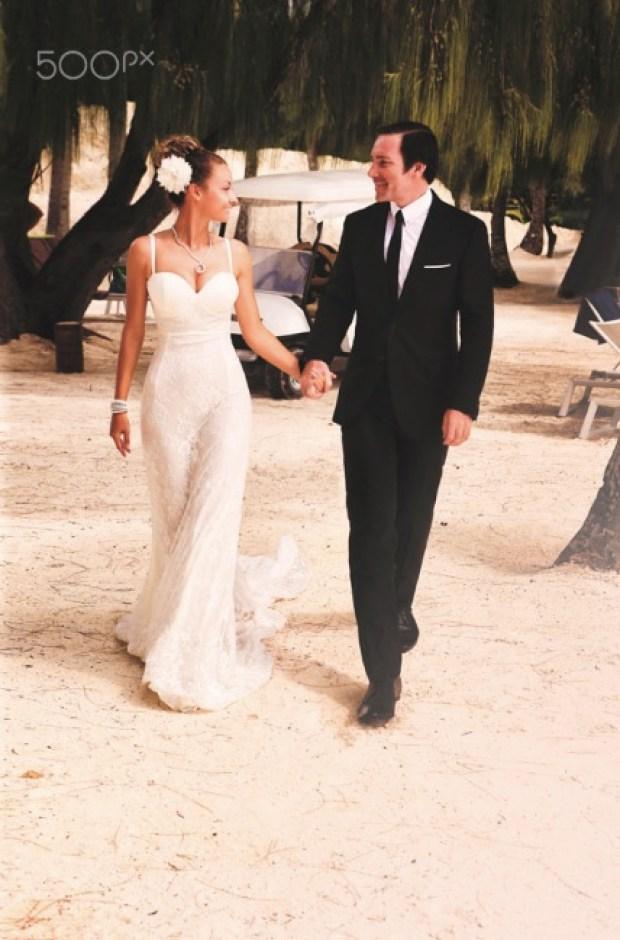 beach wedding at Bora Bora