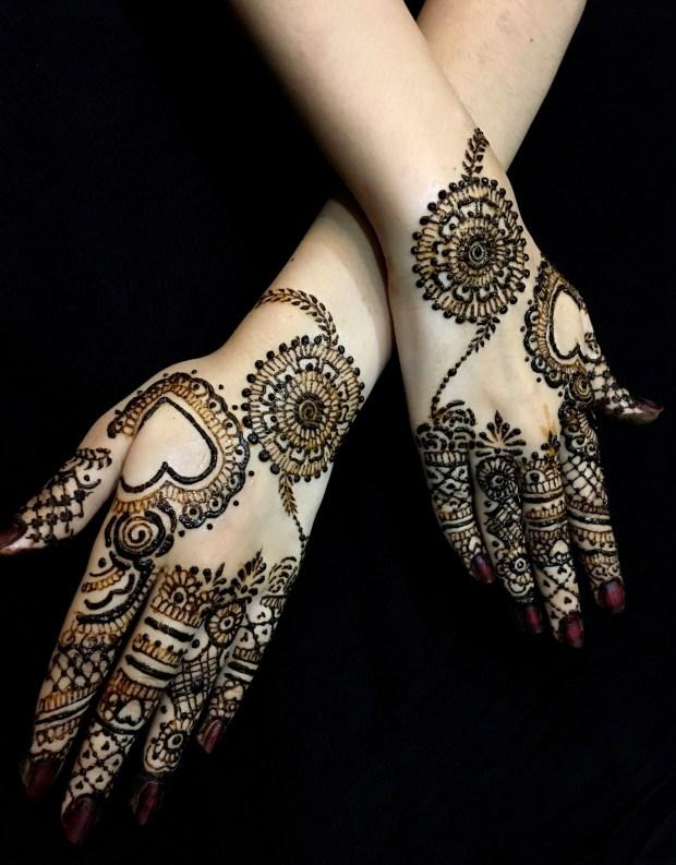 Beautiful Mehendi Design on hands