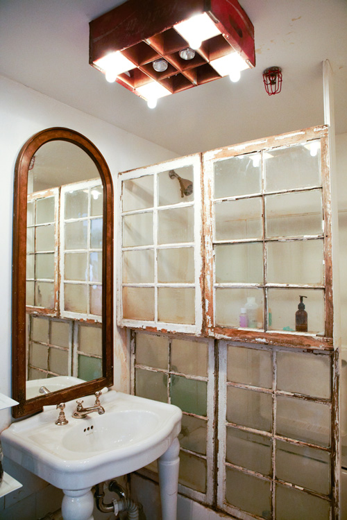 15 Creative Ways To Repurpose And Reuse Old Windows