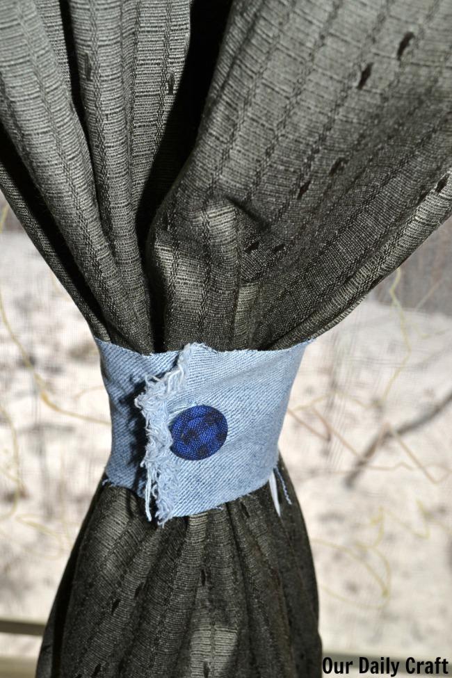 the t shirt diy curtain tieback cool diy ideas