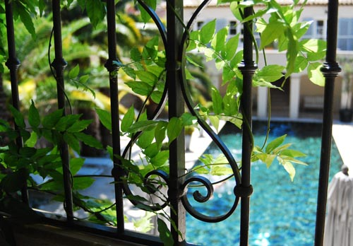 pastis-balcony.jpg
