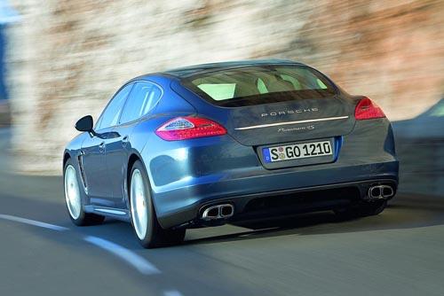 Porsche-Panamera-rear.jpg
