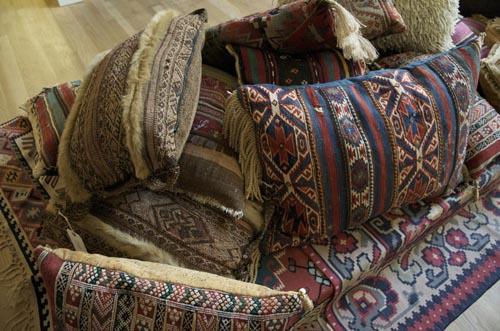 commune-comm-pillows.jpg
