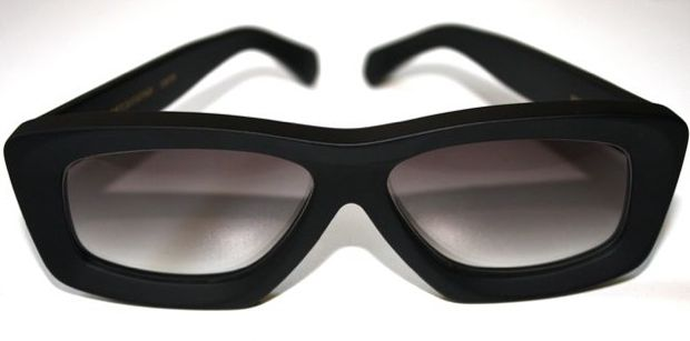 RVSbyV_212_black_shades.jpg