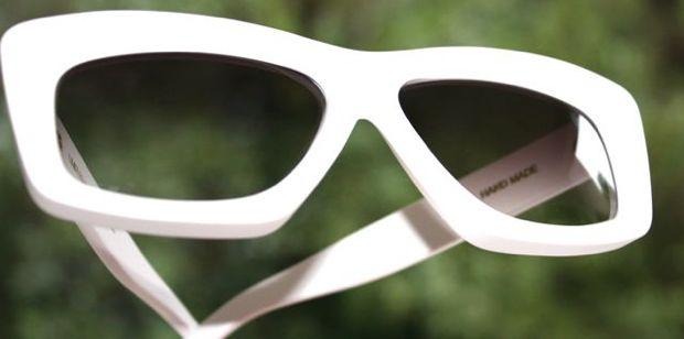 RVSbyV_212_white_shades.jpg