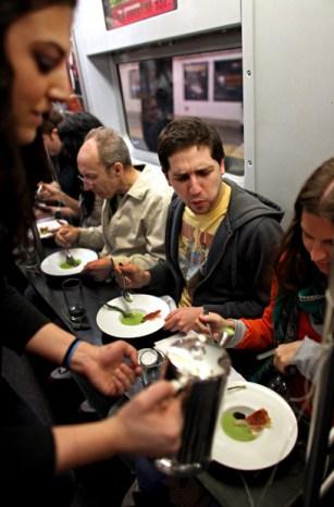 Ltrain-dining3.jpg