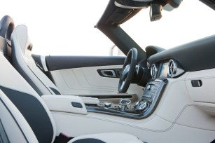 Mercedes_SLS_AMG4.jpg