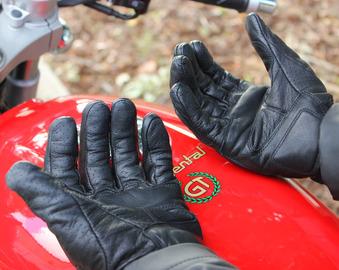Revit-Fly-Gloves-2.jpg