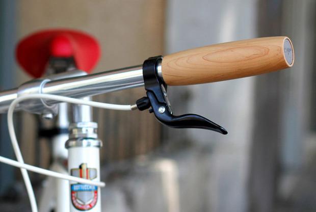 daily-wooden-bike-grips-nisnas-industries-1.jpg