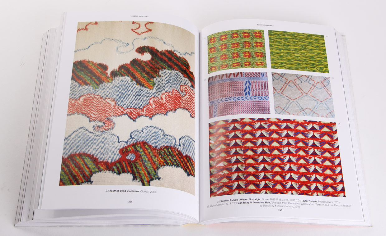 The Pattern Base: Over 550 Contemporary Textile and Surface Designs