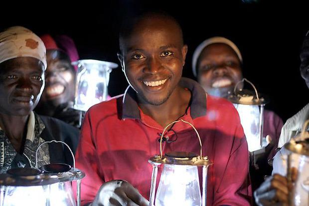 Evans_Wadongo-MwangaBora-Lantern.jpg
