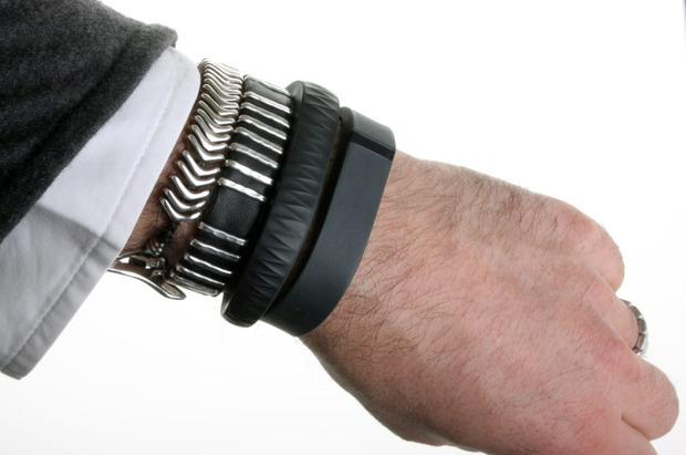 Fitbit-Flex-on-wrist-2.jpg