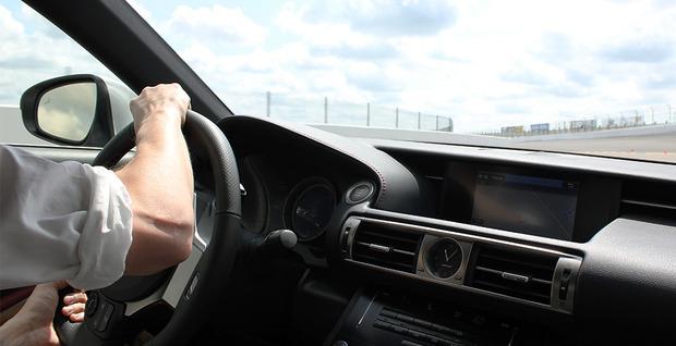 Lexus-IS-2014-2.jpg