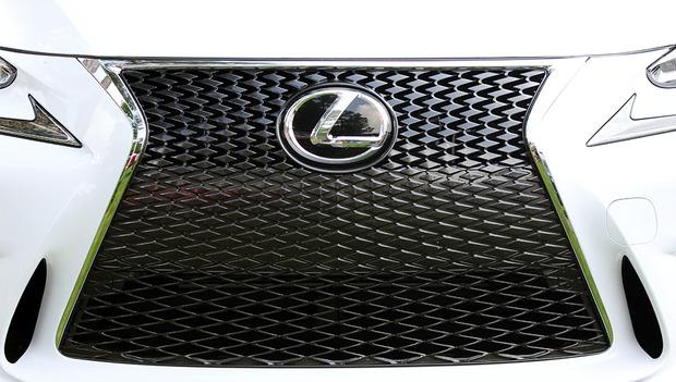 Lexus-IS-2014-3.jpg