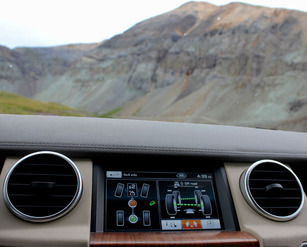Land-Rover-Exped-USA-dash.jpg