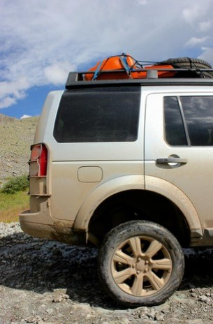 Land-Rover-Exped-USA-lift.jpg