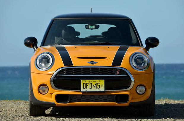 test-drive-2014-mini-cooper-hardtop-headon.jpg