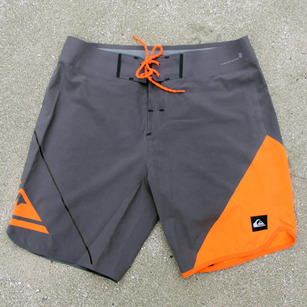 four-technical-boardshorts-quiksilver-ag47-1A.jpg