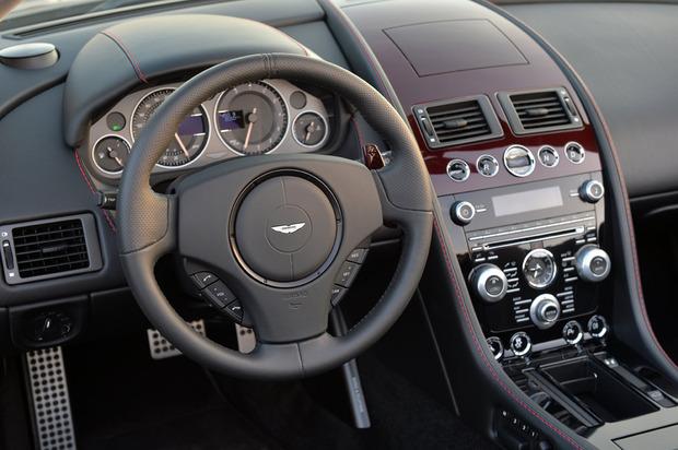 AstonMartinV12S-03.jpg