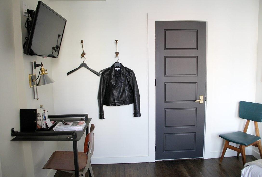 dean-hotel-room-cool-hunting-20.jpg