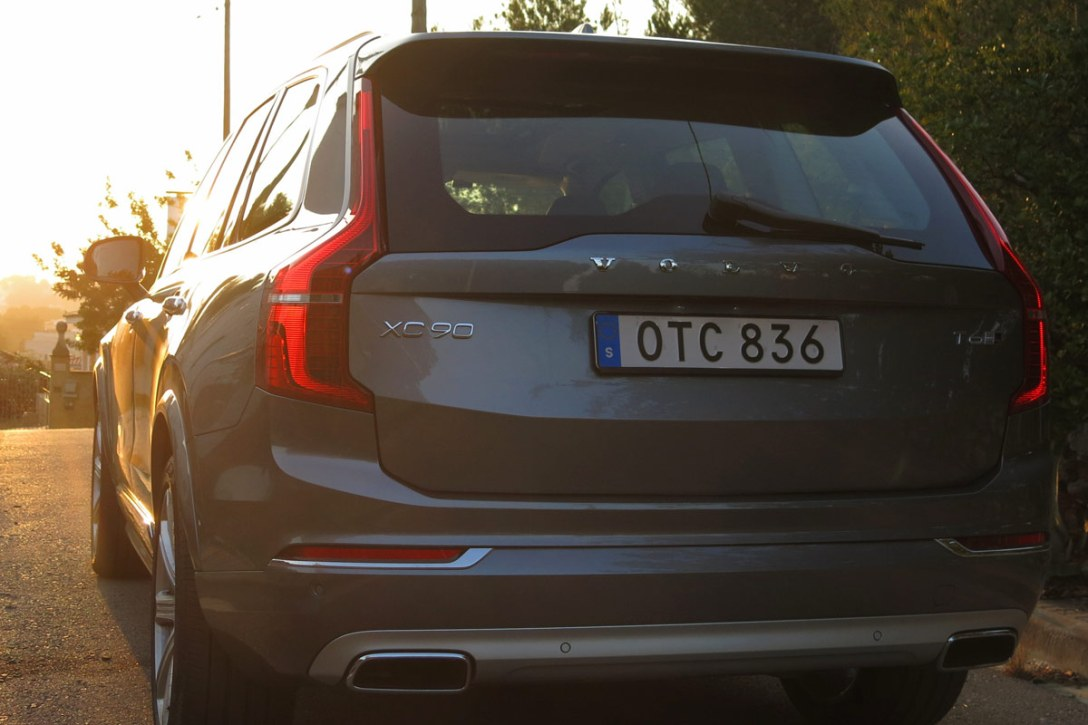 volvo-2015-xc90-ext-rear.jpg