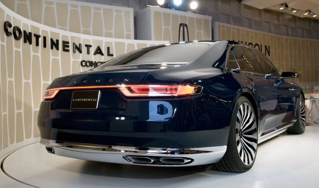 lincoln_continental_concept_rear.jpg
