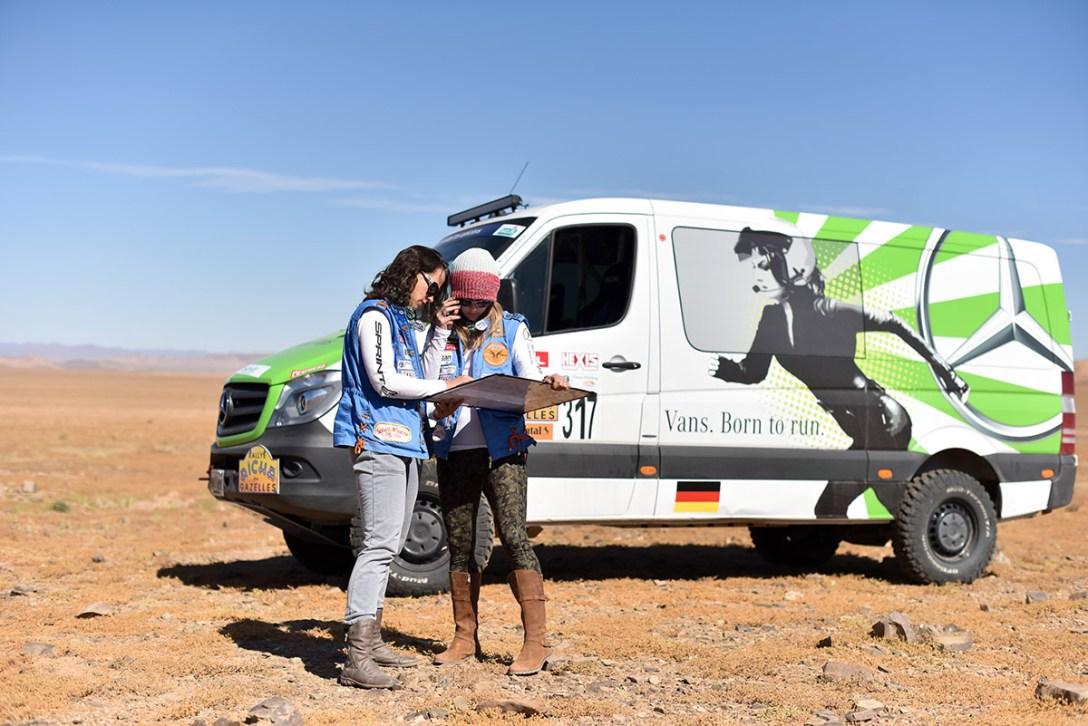 2015-rallye-aicha-des-gazelles-du-maroc-6.jpg