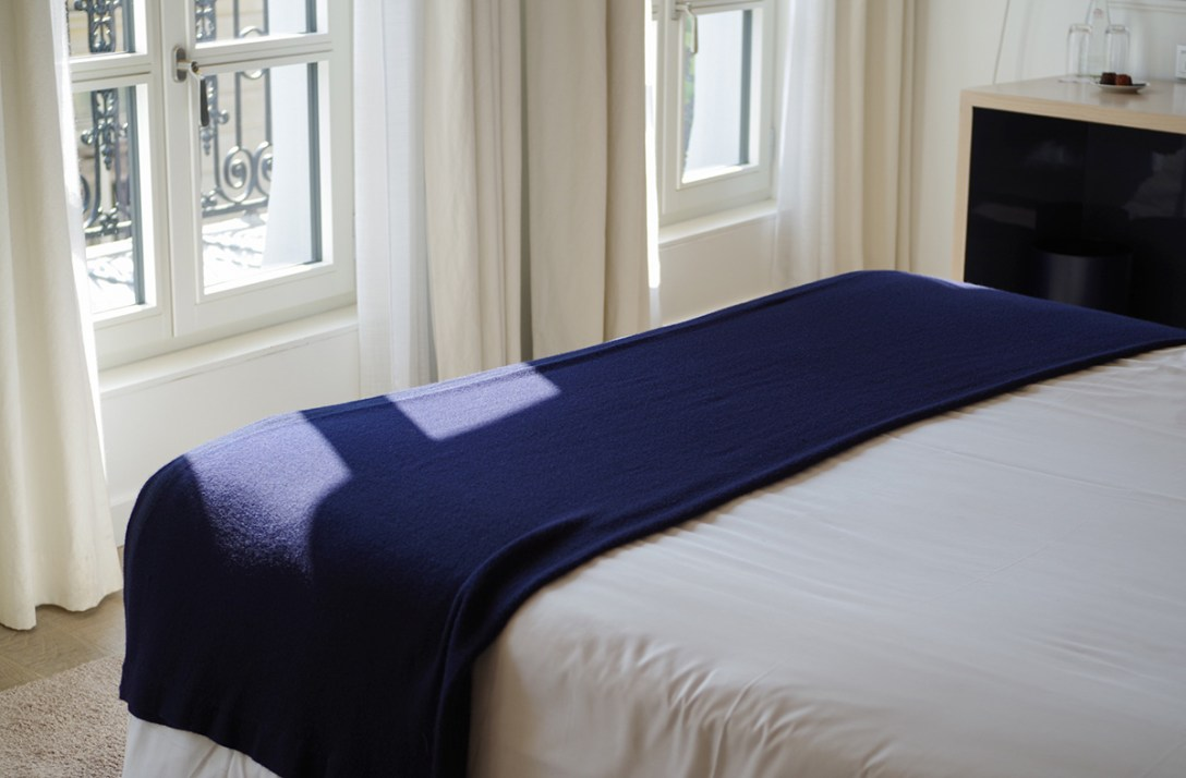 hotel-de-nell-boutique-room-paris-minimalist-design.jpg