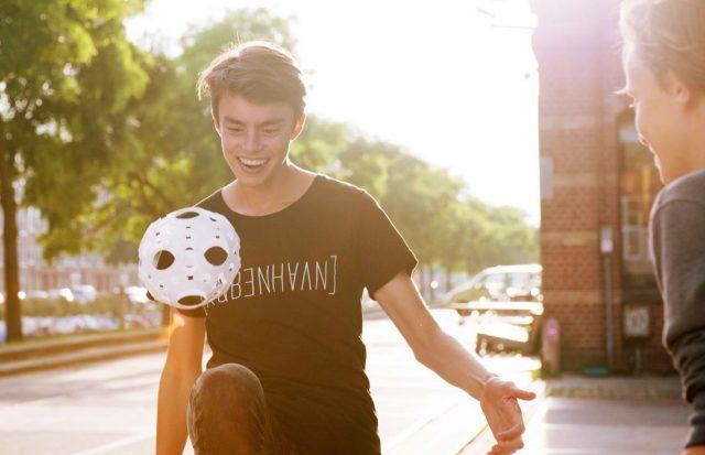 Foooty: de bal die in je broekzak past