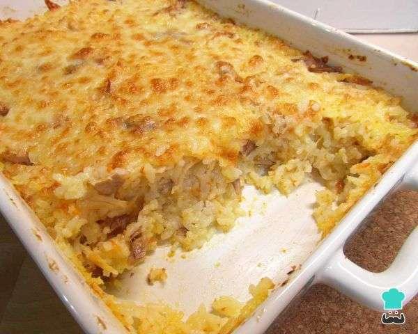 Receita de Arroz de forno com frango desfiado e queijo