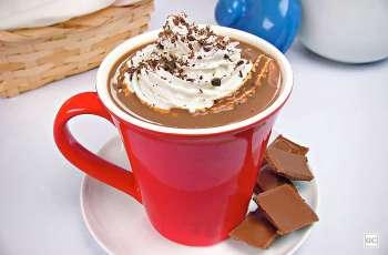 Receita de Chocolate quente com chantilly