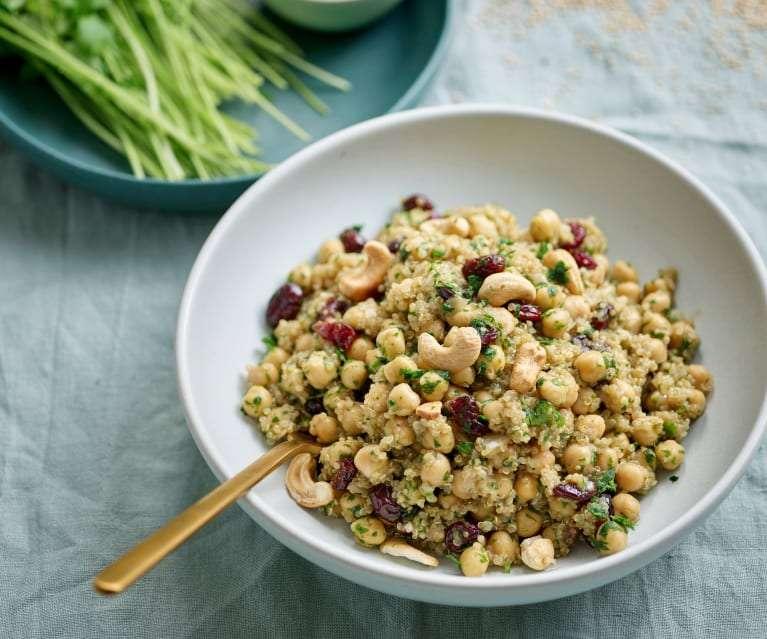 Receita de Salada de quinoa, grão e caju