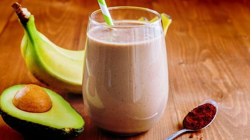 Receita de Vitamina de abacate, chocolate e banana