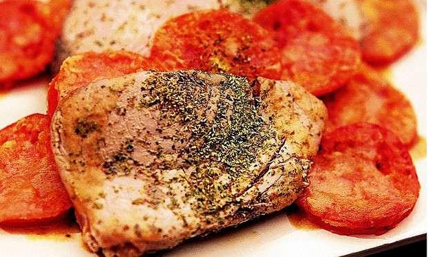 Receita de Atum com orégano e tomate frito