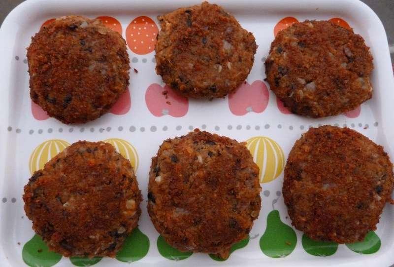 Receita de Hambúrgueres feijão preto e batata doce