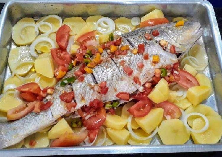 Receita de Peixe assado com legumes