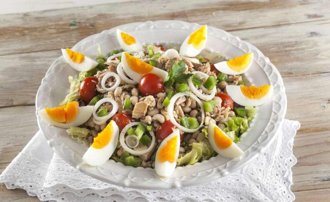 Receita de Salada de atum com feijão-frade