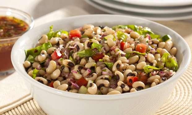 Receita de Salada de feijão-fradinho com molho especial