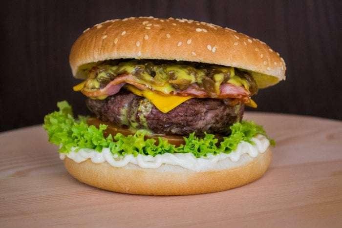 Receita de hambúrguer de carne moída Saborosa