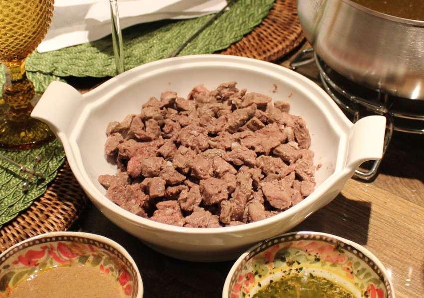 Receita de Fondue de Carne Ana Maria Braga