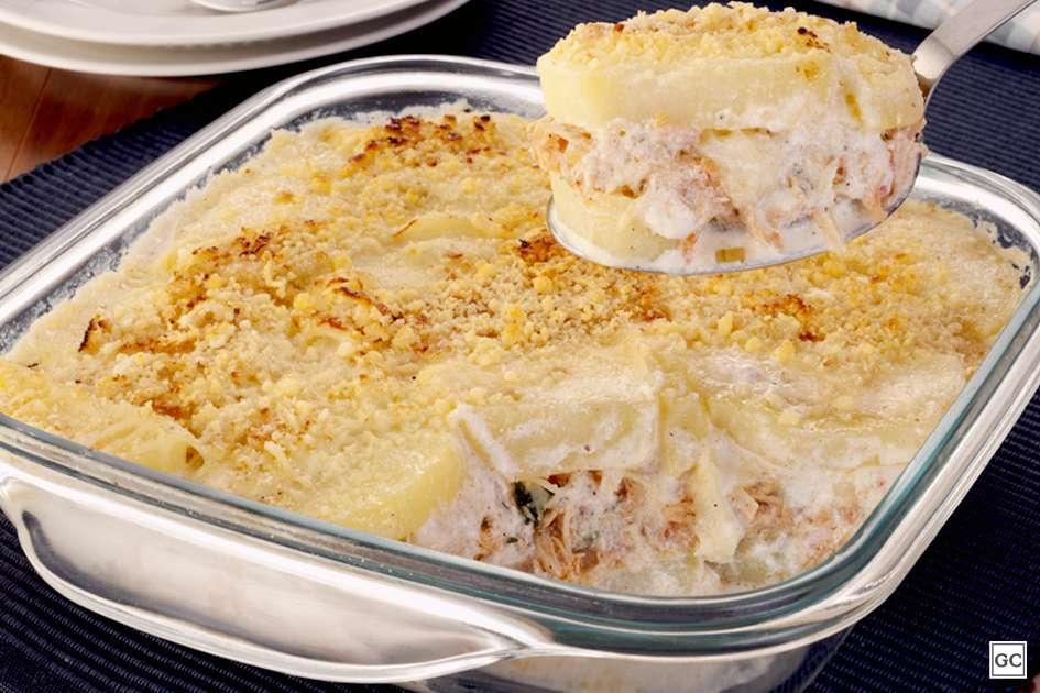 Receita de Batata em camadas com frango desfiado