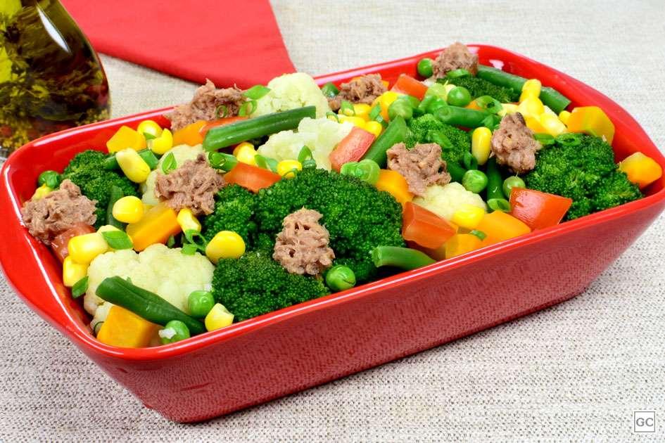Receita de Marmita Low Carb de Salada de brócolis com couve-flor