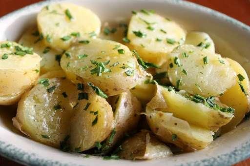 Receita de Salada de batatas com maionese