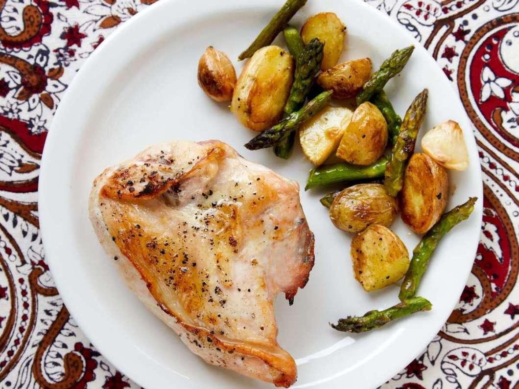Receita de Coxa de frango assada com batatas