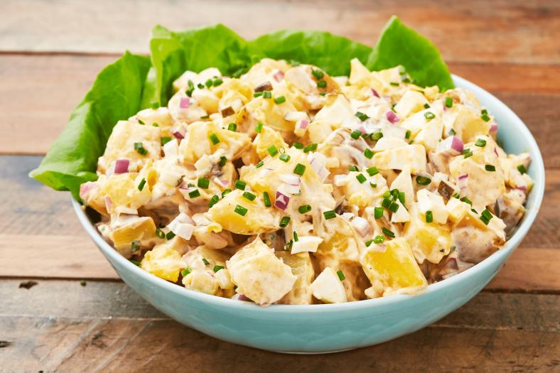 Receita de Salada de Batata para Churrasco