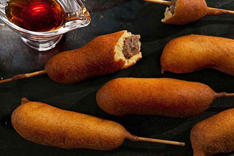 Receita de Salsicha Empanada Douradinha